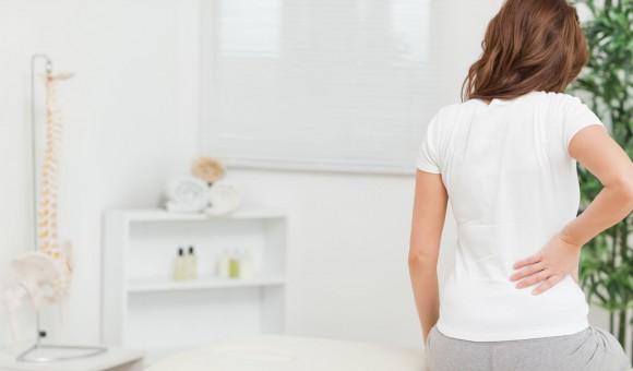 酷くなる前に対策を!美容師の腰痛原因とおすすめの予防法
