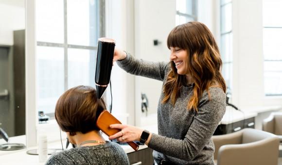 美容師の価値が見直されるチャンスか